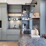 Kühles Blau: Sanfte, eisige Töne in der Küche