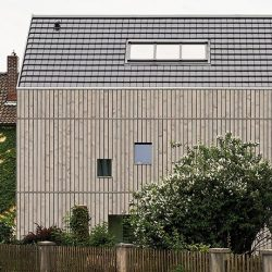 Klimaholzhaus auf dem Land