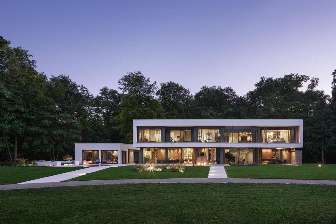Luxuriöses Wohnen in der Tradition des Bauhauses WeberHaus | casamii.com