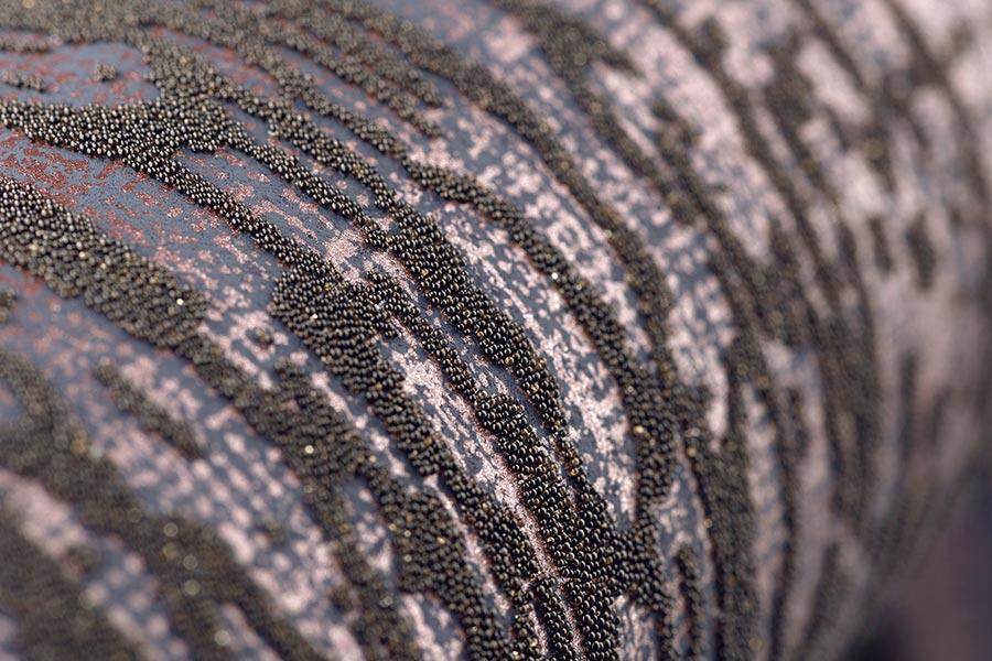 Tapeten zum Anfassen. Luxustapeten mit Perlen, Glanz, samtigen Oberflächen kommen nie aus der Mode und eignen sich insbesondere für Schlafzimmer oder die Lounge im Wohnbereich. Kollektion: Universe Bildquelle: DTI/Hohenberger